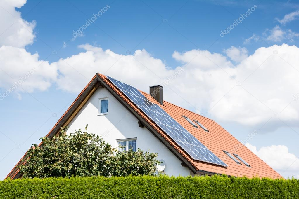 depositphotos_53595349-stock-photo-modern-house-with-photovoltaic-system